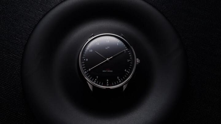 1969 steel black lifestyle 720x405 fd0e7072 74c8 43e1 a2f6 083fd132ea12